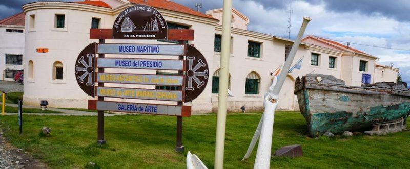 placa dos museus em ushuaia - marítimo, del presidio