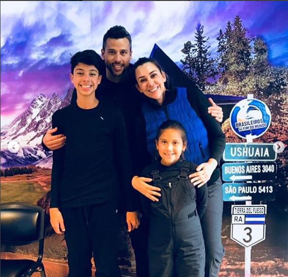 Goleiro do cruzeiro conhece ushuaia com a familia