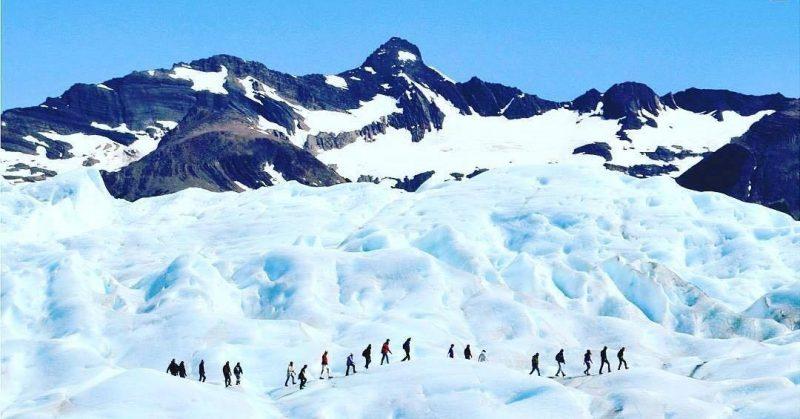 Passeio Mini trekking no Glaciar Perito Moreno em El Calafate no verão