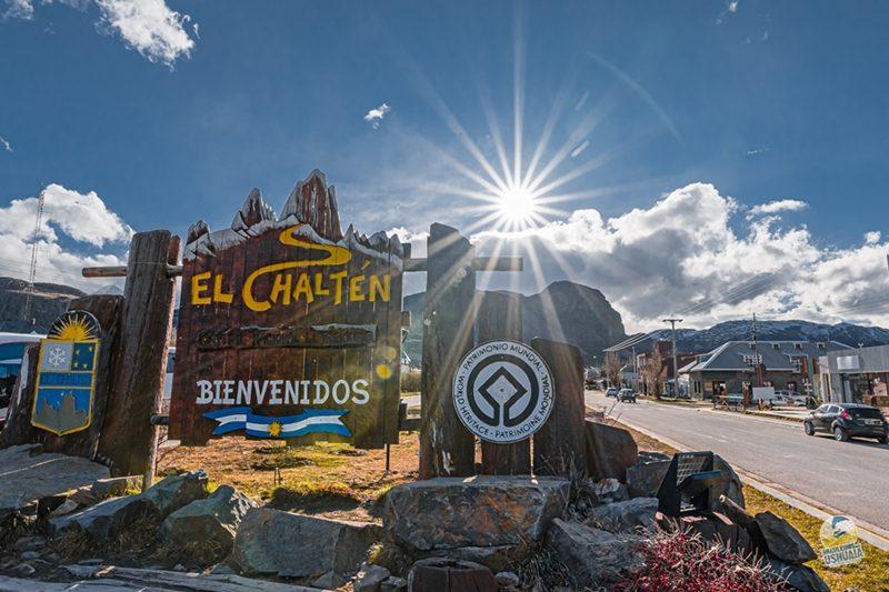 Placa de Bem Vindos a El Chaltén Passeio em El Chalten | Brasileiros em Ushuaia