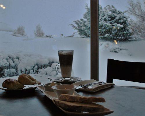 Café da Manhã na Neve Alto Calafate Hotel